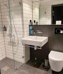 hotell clarion kista badrum